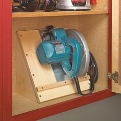 Storing a circular saw can be a hassle. To get around this problem, I built this storage caddy