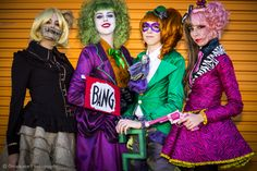 Really awesome female cosplay for Scarecrow, The Joker, The Riddler, and Twi Face. Love it!! >.<