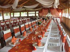 Esküvői dekoráció, terrakotta székhuzat