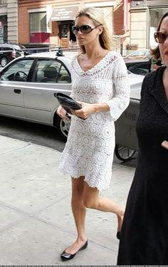 Kate Moss crisp white crochet dress
