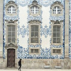 Intricate blue & white facade in Porto, Portugal~Image via afarmedia Beautiful Buildings, Beautiful Places, Beautiful Streets, Wonderful Places, 6 Photos, Pictures, Travel Photos, Veranda Magazine, Visit Portugal