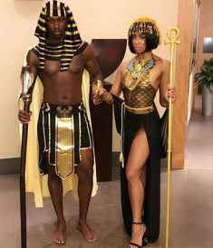 54 Genius Couple Halloween Costume Ideas to Inspire You and Your Love # Halloween Inspo, Sexy Halloween Costumes, Halloween Cosplay, Cosplay Costumes, Sexy Couples Costumes, Halloween Party, Halloween 2017, Sport Outfit Damen, Egyptian Costume