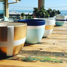 Painted Flower Pots, Painted Pots, Diy Garden Fountains, Garden Pots, Interior Design Plants, Pottery Painting Designs, Flower Pot Design, Cement Crafts, Concrete Planters