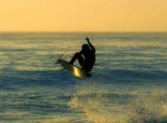 surfing .