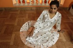 Women's fashion | Printed Maxi Dress | Off white and yellow