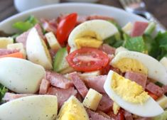 I love coming up with different ways to use leftovers to keep it interesting. A perfect example: a Classic Chef Salad! Peel those colorful eggs, and chop up some of that ham and make a big, delicious Classic Chef salad. Chef Salad Recipes, Ham And Eggs, Ham Salad, Bacon Egg, Nutrition Tips, Food And Drink, Healthy Eating, Dinner, Ethnic Recipes