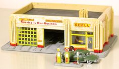 "1940's Gas Station -- Kit - 7 x 4-1/2"" (650-1531) -- Walthers Model Railroading"