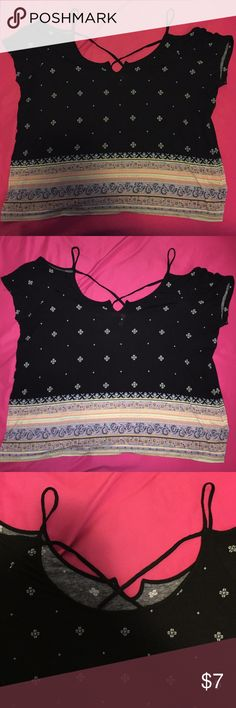 Cute Flowy Top with Pattern I got this top about two years ago but never wore it because it is too big for me! It is in perfect condition! As you can see in the photo, the back looks strappy. Mudd Tops Blouses