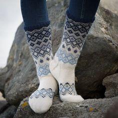 Sokker - Viking of Norway Knitting Designs, Knitting Patterns, Loom Knitting, Knitting Socks, Fluffy Socks, Argyle Socks, Drops Patterns, Sock Toys, Shoes