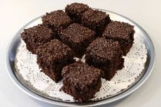 Den du ved nok I 4 Danish Dessert, Birthday Menu, Sweets Cake, Blondies, No Bake Cake, Delish, Deserts, Tapas, Yummy Food