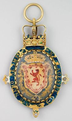 "Queen Marie Stuart of Scotland and France - Lustrous gold pendant with SCOTS ROYAL RED LION with FRENCH Fleur d'Lis ROYAL CROWN inscribed: ""Nemo Me Impu Ne Lacesset"" It is the motto of Order of the Thistle with translation: ""No one attacks me with Impunity"" A reference to the natural barbs of the Thistle, a member of the Rose family which incidently is also non-poisonous food. The Artichoke being the most notable thistle food."
