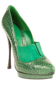 Alexander McQueen Green Snakeskin Stiletto Pumps  Pre-Fall 2012 #Shoes #High #Heels