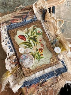 Mini Photo Albums, Mini Albums, Fabric Tape, Fabric Scraps, How To Make Scrapbook, Always Shine, Paper Bouquet, Mini Album Tutorial, Fabric Journals