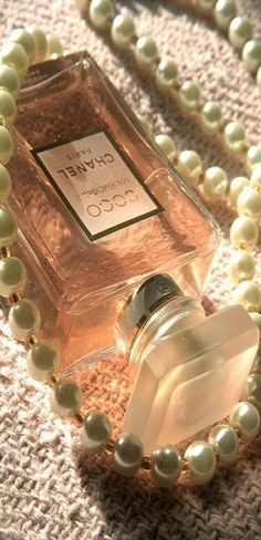 Chanel and pearls | LBV ♥✤