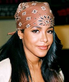 How to get Aaliyah's iconic style