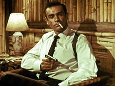 "Sean Connery dans ""Dr. No"" en 1962-"