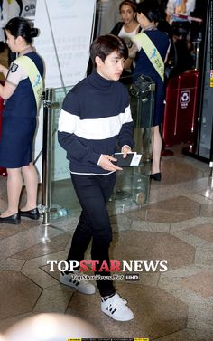 D.O - 141003 Gimpo Airport, departing for Tokyo - [HQ] Credit: TopStarNews. (김포공항 출국)