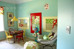 fun playroom, love the colors♥