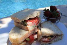 Quick Lunch for 2 : ham, tomato, cornichon sandwiches