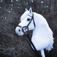 Realistic handmade hobbyhorses by Eponi. Visit website to get your own horse: www. Toy Horse Stable, Horse Stables, Horse Farms, Sculpting Tutorials, Stick Horses, Year Of The Horse, Horse Pattern, Baby Horses, Horse Crafts