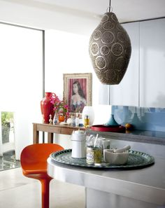 Mixing modern and traditional moroccan pieces - home decor