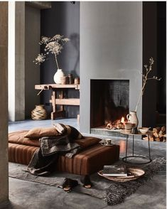 Cozy living room in warm colors with a fireplace - Home Decoration - Interior Design Ideas Interior Design Inspiration, Home Decor Inspiration, Home Interior Design, Interior Stylist, Interior Ideas, Design Ideas, Decor Ideas, Interior Exterior, Interior Architecture