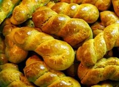 Συνταγη για νόστιμα και αρωματικά Πασχαλινά κουλουράκια της Βεφας Αλεξιαδου ~ Fantastikomagazine