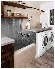 38 Functional And Stylish Laundry Room Design Ideas To Inspire. 33 Functional And Stylish Laundry Room Design Ideas To Inspire. Have a look at this incredible collection of laundry room design ideas that are functional, stylish and full of inspiration. Dream Home Design, Home Interior Design, Home Room Design, Kitchen Interior, Modern Interior, Exterior Design, Laundry Room Remodel, Laundry Room Bathroom, Mudroom Laundry Room