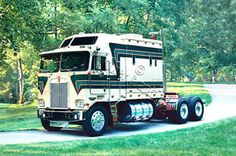 """Southern Comfort"" 1981 Kenworth Aerodyne w/ Double Eagle sleeper 3408 CAT Power Giclee art print. Big Rig Trucks, Semi Trucks, Cool Trucks, 6x6 Truck, Pickup Trucks, Custom Big Rigs, Custom Trucks, Diesel Cars, Diesel Trucks"