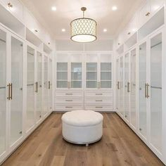 dream closets Are you looking for master walk-in closet design ideas? Ive rounded up seven stunning (yet simple and doable) inspiration closets for you. Walk In Closet Design, Bedroom Closet Design, Master Bedroom Closet, Closet Designs, Bedroom Decor, Spare Room Walk In Closet, Walk Through Closet, Master Closet Design, Cool Room Designs