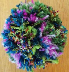 Hippystitch: How to make pompoms How To Make