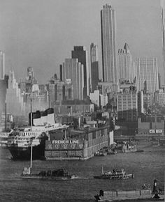 French Line. Manhattan Skyline II, from Weehawken, New-Jersey - Berenice Abbott Jersey Girl, New Jersey, Manhattan Skyline, New York Skyline, Ss Normandie, Astoria Hotel, Los Angeles Museum, Berenice Abbott, New York Harbor