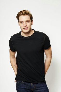 Session 04 - sds 007 - Starring Dominic Sherwood Photo Gallery - Part of… Dominic Sherwood Shadowhunters, Shadowhunters Series, Shadowhunters The Mortal Instruments, Christian Ozera, Clary E Jace, Jace Lightwood, Clace, Vampire Academy, Famous Men