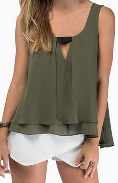 Shop Green Strap V Neck Loose Tank Top online. SheIn offers Green Strap V Neck Loose Tank Top & more to fit your fashionable needs. Style Vert, Loose Tank Tops, Romwe, Chiffon Shirt, Chiffon Blouses, Green Fashion, Style Fashion, Blouses For Women, Ideias Fashion