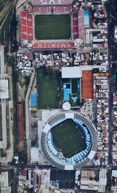 The close proximity of the stadiums in Avellaneda, Buenos Aires. The Eatadio Libertadores is home to CA Independente and Estadio JD Peron of Racing Club are real close. Football Pitch, Football Is Life, World Football, Soccer Stadium, Football Stadiums, Football Soccer, Cityscape Photography, Aerial Photography, Stadium Architecture
