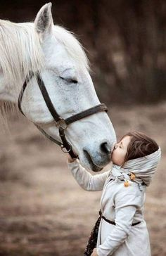 To me this is a tiny glimpse of how it will be in Heaven. Animals For Kids, Animals And Pets, Baby Animals, Funny Animals, Cute Animals, Pretty Horses, Horse Love, Beautiful Horses, Animals Beautiful
