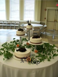 buttercream decorated wedding cakes | KHM Cakes | Custom decorated cakes by KHM Cakes, with over 30 years of ...