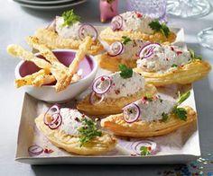 Blätterteigschiffchen mit Käsecreme