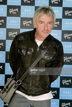 Musician Paul Weller poses backstage on the first night of a series of concerts and events in aid of Teenage Cancer Trust organised by charity Patron Roger Daltrey, at the Royal Albert Hall on March 2007 in London, England. British Rock, British Style, The Style Council, Paul Weller, Roger Daltrey, Noel Gallagher, Royal Albert Hall, Pop Music, Punk Rock