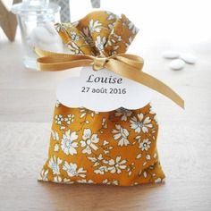 Ballotin mariage & baptême - tissu liberty capel moutarde - ruban satin or