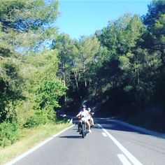 Bastard's tour in Barcelona Rent a Harley from 50€.  www.bastards-shop.com #bastards #bastardstyle #bastardsbcn #barcelona #harleydavidson #rental #tours #hire #sportster #bobber #chopper #summer #enjoy #squadgoals #squadgoalz #goodtimes #goodfriends #sun #riders