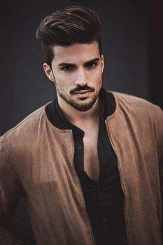 Mustache Styles: 40 Hottest styles for Men you checked in 2019 Cool Hairstyles For Men, Trendy Haircuts, Hairstyles Haircuts, Haircuts For Men, Beard Styles For Men, Hair And Beard Styles, Curly Hair Styles, Mdv Style, Hair Men Style