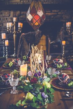 Game of Thrones Wedding Inpsiration Table Setting photos by Shanell Blesdoe Photography | The Pink Bride® www.thepinkbride.com