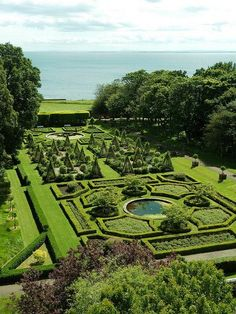 Gardens at Dunrobin Castle, Scotland, I was here 2005 and it was an amazing expirience! And it is so so beautiful. Both the place and the castle.