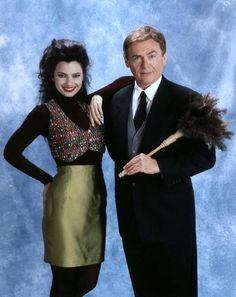 Daniel Davis from The Nanny-LOVE this show. Niles is freakin hilarious! 1980s Fashion Trends, 80s And 90s Fashion, Fashion Outfits, Fashion 2018, Womens Fashion, Fran Drescher, Shiva, Nicholle Tom, Miss Fine