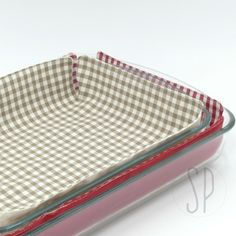 Come cucire il panno proteggi pentola http://sarapoiese.com/come-cucire-il-panno-proteggi-pentola/?utm_campaign=coschedule&utm_source=pinterest&utm_medium=sara&utm_content=Come%20cucire%20il%20panno%20proteggi%20pentola