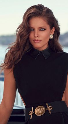 Emily Didonato by Miguel Reveriego for Vogue Spain October 2014 Lover her hair, make-up & beautiful eyes! Emily Didonato, Modelo Emily, Beauty And Fashion, Womens Fashion, Manequin, Vogue Spain, Moda Chic, Glamour, Lady