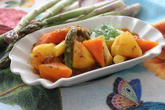 Kartoffelgulasch einmal anders... Food Inspiration, Cantaloupe, Carrots, Fruit, Vegetables, Food Food, Carrot, Vegetable Recipes, Veggies