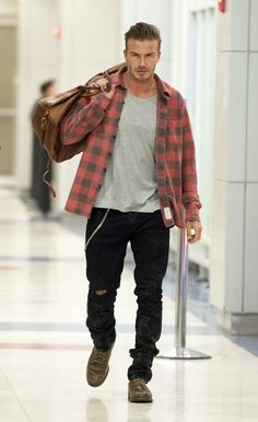 Men'S fashion › fashion for men over 40 david beckham wearing red and black check flannel long sleeve shirt, grey crew-neck Checkered Shirt Outfit, David Beckham Style, Look Man, Mens Essentials, Airport Style, Look Cool, Stylish Outfits, Men's Fashion, Men Casual