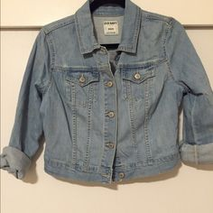 Old navy light denim jean jacket Channel your inner Kelly Kapowski and buy this denim jacket. So versatile, you'll want to rock it everyday. Looks super cute over a maxi dress or pairs well with flowy linen shorts. The one thing every gal needs in her arsenal. Old Navy Jackets & Coats Jean Jackets
